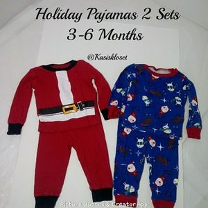❗2/$20❗ Holiday Pajamas Set Of 2 Size 3-6 Months
